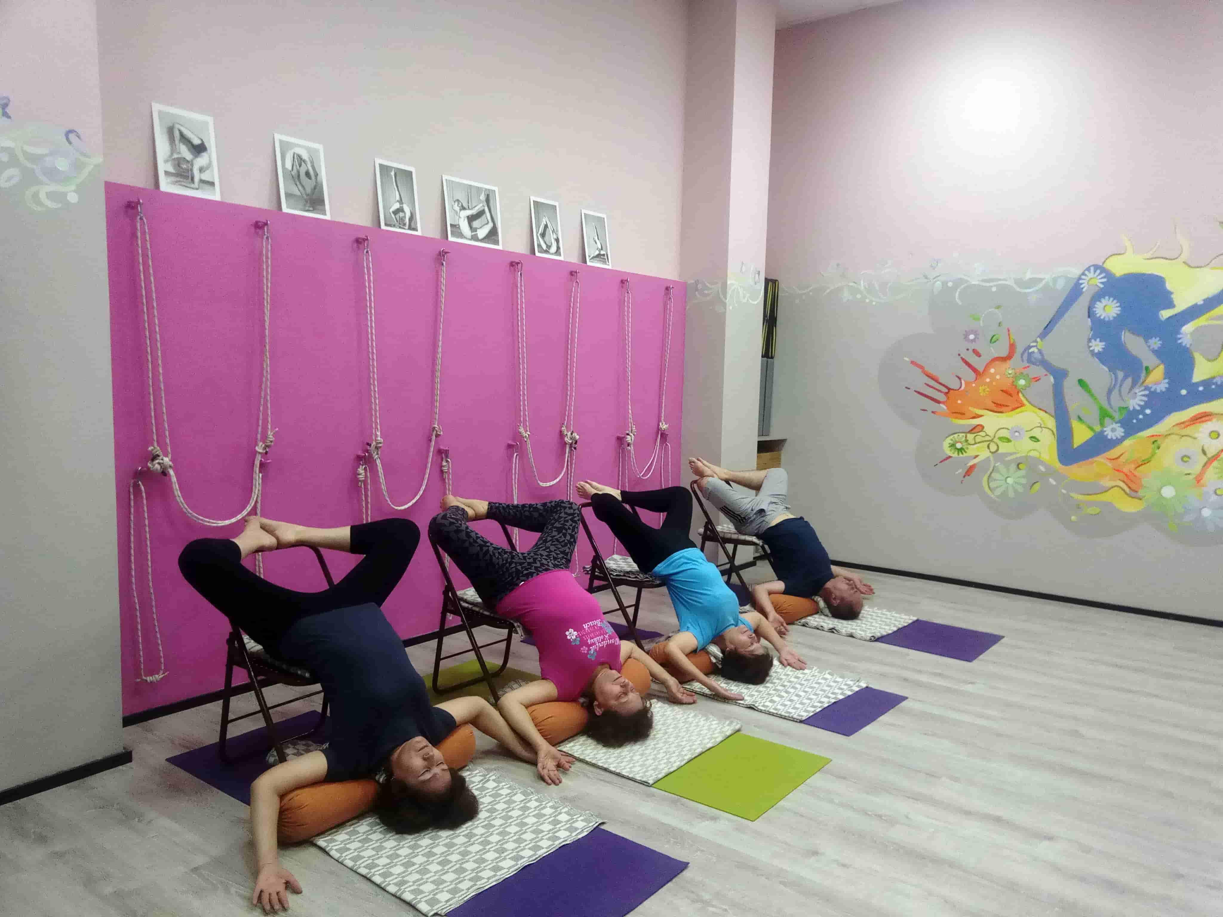 Уроки йоги фото (15)-min